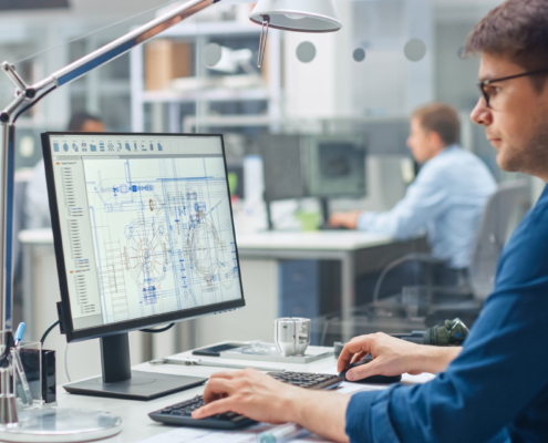 CAD Ingenieur vor PC