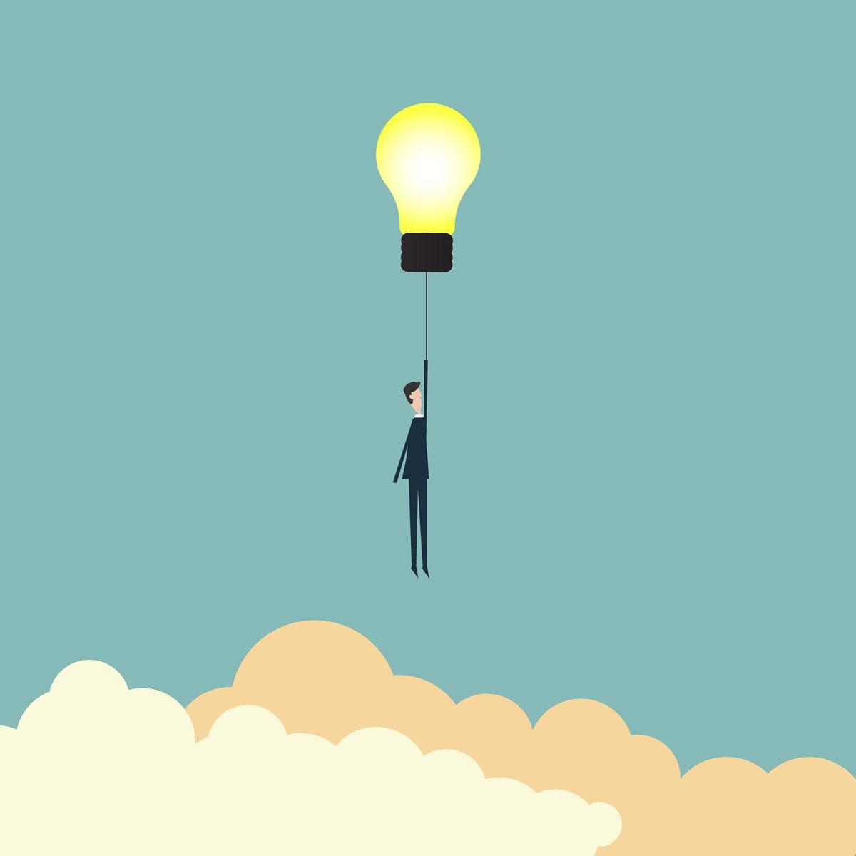 Erfolgsfaktoren für eine einwandfreie ERP Einführung. Geschäftsmann fliegt an einer aufleuchtenden Glühbirne in den Himmel.